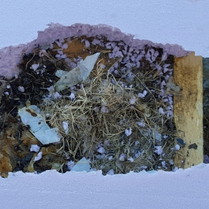 Mouse nest on top of inside hive cover.